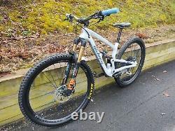 Alchemy Arktos ST 29 Mountain bike Industry Nine 305 Hydra Wheelset