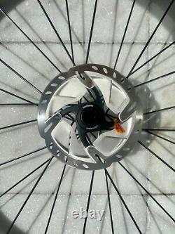 DT Swiss P1800 Spline 32 Disc Wheel set 700c with rotors Shimano Ultegra SM-RT800
