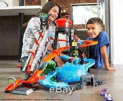 Hot Wheels Gift Set Race Track for Small Play Car Matchbox Ultimate Car Wash Pk