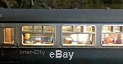 OO gauge DCC coach lighting set. Wheels and passengers inc. No batteries needed
