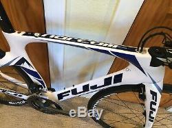Fuji Norcom Droite 1.1 Ultegra Di2 11 Vitesses Reynolds Wheelset 49cm (petit)
